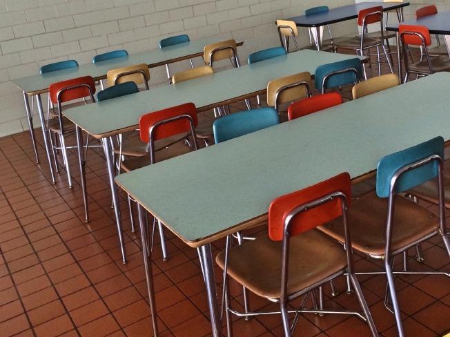 cafeteria-662458_1920