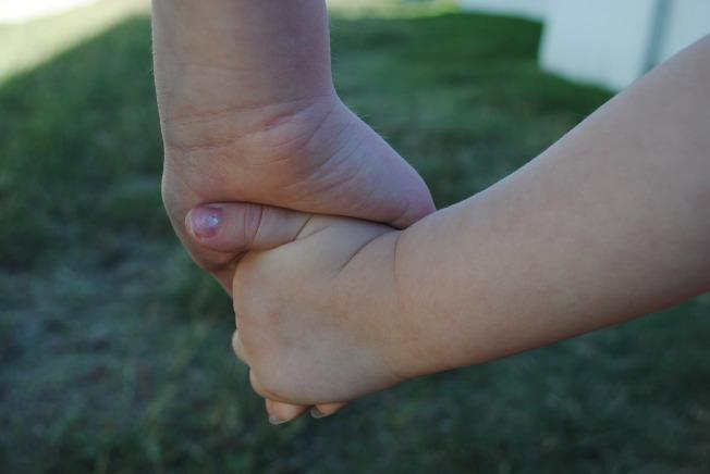 hands-634363_1920