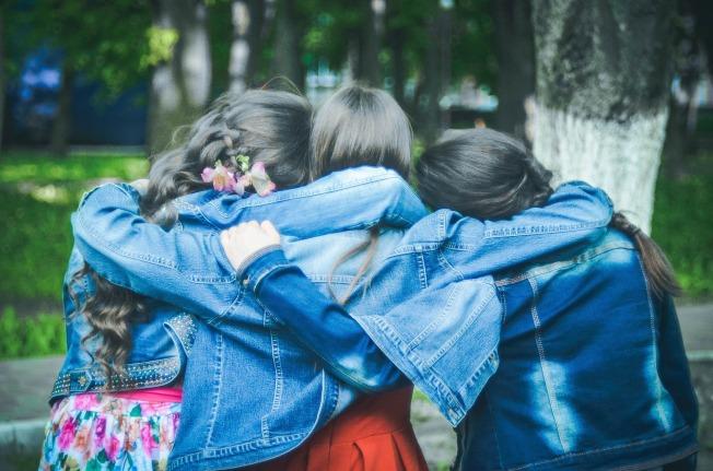 friends-775356_1920